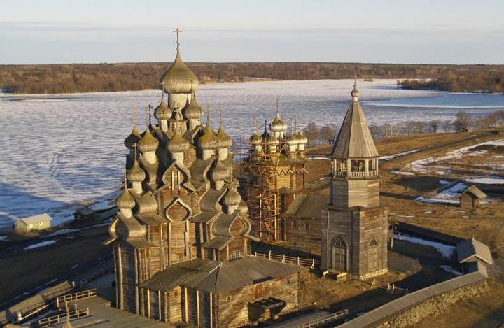 Спаса-преображенская церковь в Петрозаводске