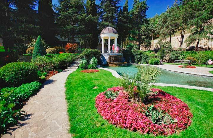 Парк Парадиз в Никитинском саду