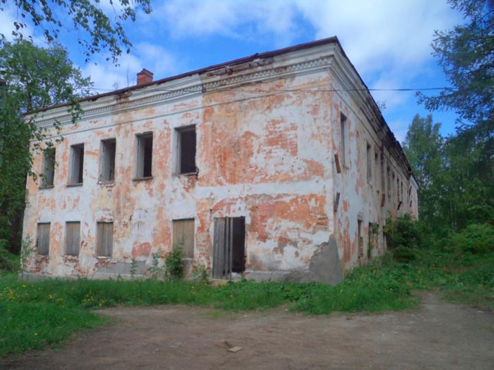 Двухэтажная усадьба Мусиных-Пушкиных на Валдае
