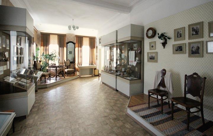 Зал МУзея уездного города на Валдае