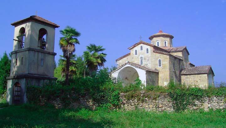 Храм в селе Лыхны