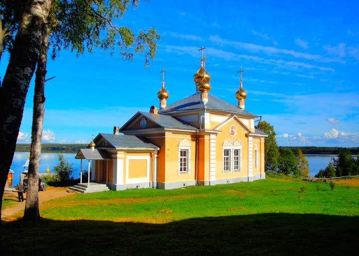 Здание Важеозерского Монастыря