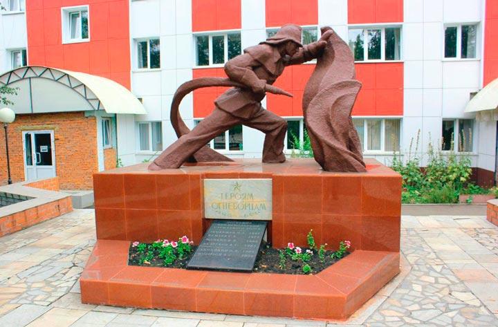 Памятник героям-огнеборцам в Саранске