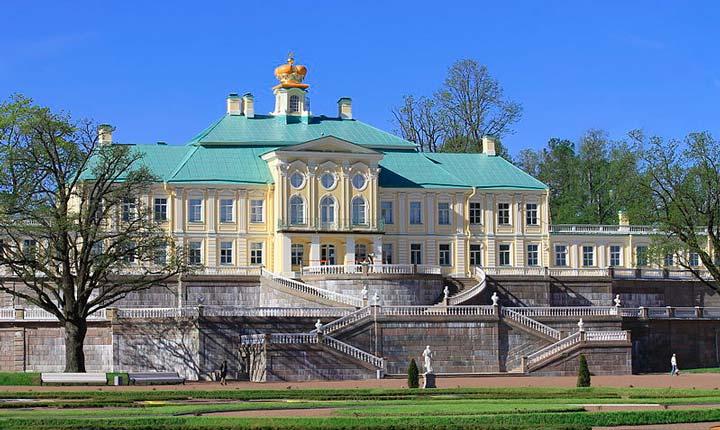 Большой Меньшиковский дворец