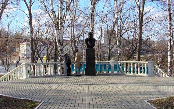 Второй памятник Огареву в Саранске