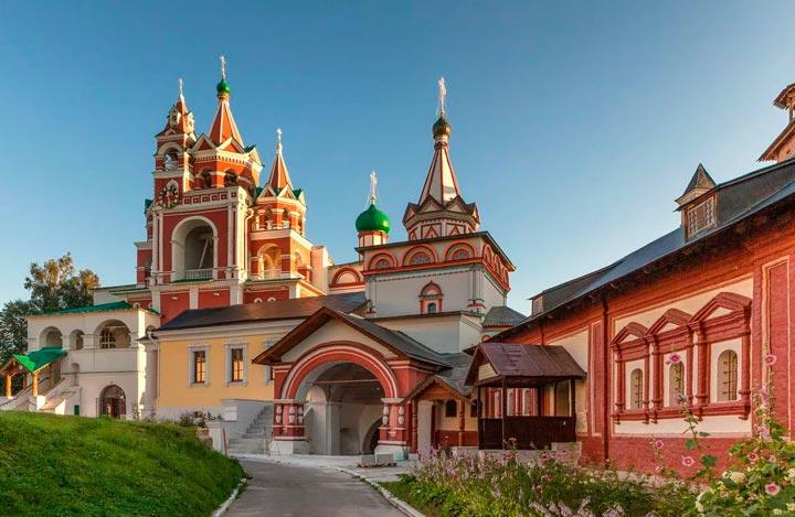 Саввино-Сторожевский-монастырь в Звенигороде