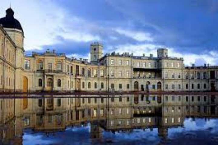 Тучи над дворцом Гатчины