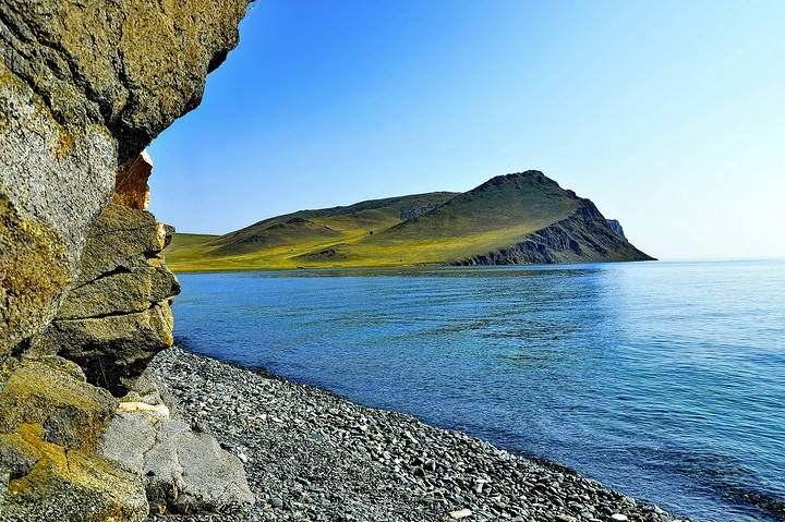 Весеннее озеро Байкал