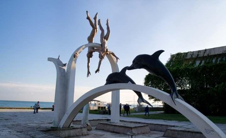 Скульптуры Пицунды