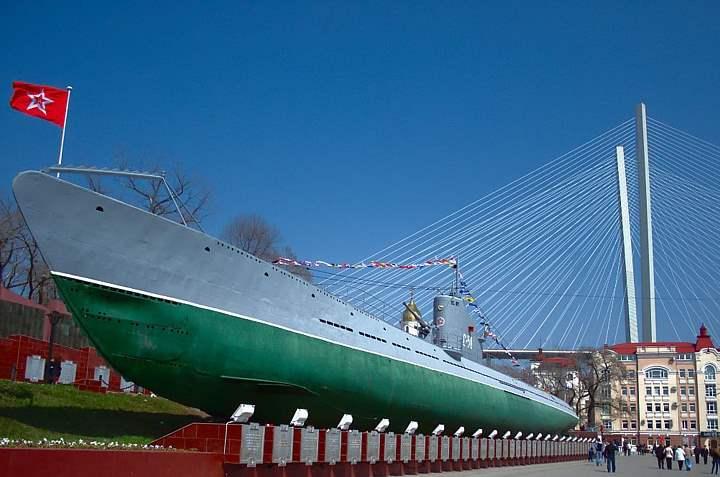 Лодка во Владивостоке