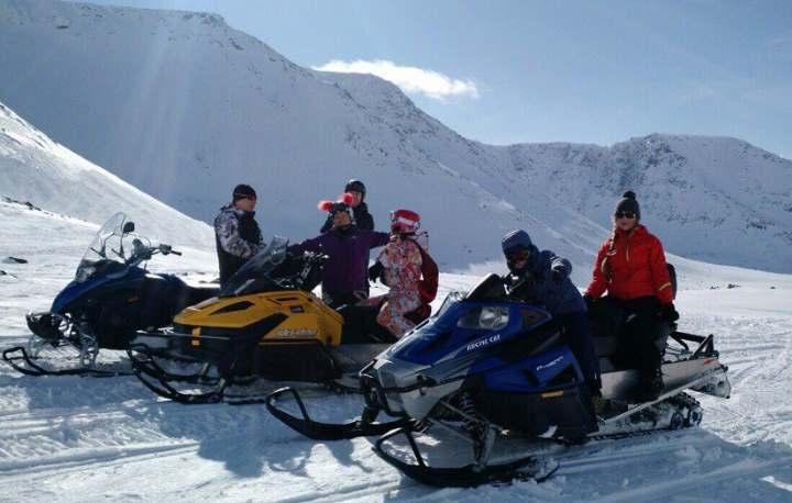 На снегоходах в горах Хибины