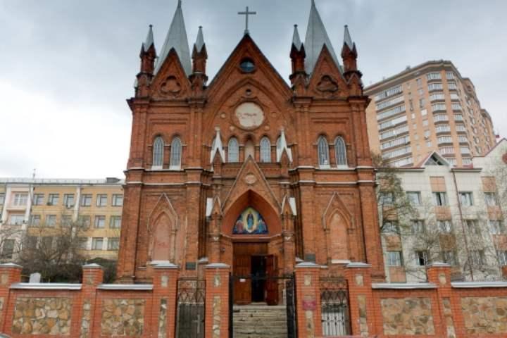 Католический храм Курска