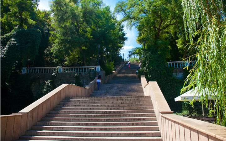 Лестница, длиной в 108 метров