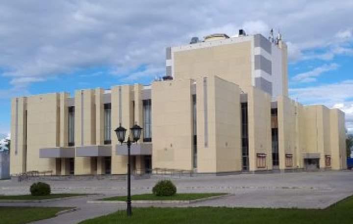 Это один из старейших провинциальных театров в России