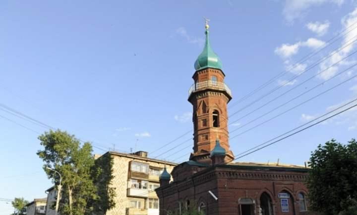 Все постройки в период до революции в городах и деревнях делались из дерева