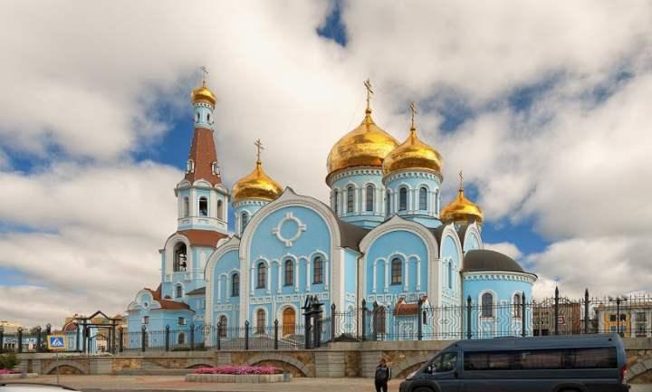 главный православный храм города, возведен он был 2004 году