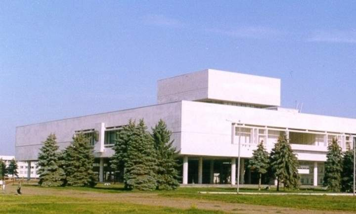 Это отдельный музейный комплекс, который посвящен Ленину и его семье