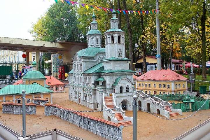 Лопатинский парк отреставрирован и имеет развитую инфраструктуру