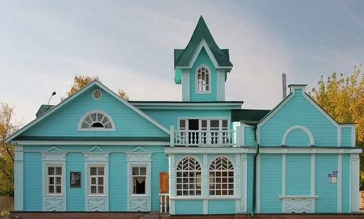Музей расположился в особняке купца Сахарова