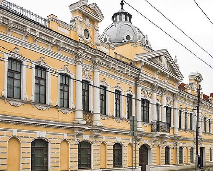 Когда-то особняк принадлежал династии купцов и фабрикантов Белолипецких