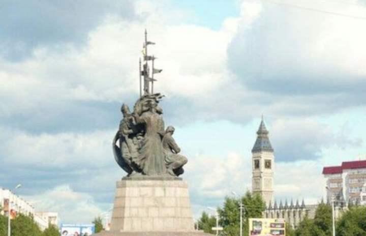 Монументы города Сургут