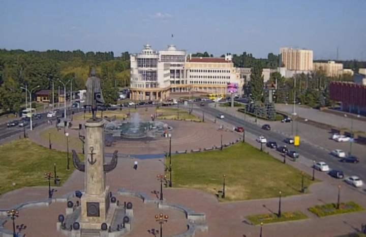 Площадь Петра Великого возникла в городе в 80х годах прошлого столетия