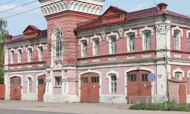Это одно из самых первых пожарных депо во Владимировской области