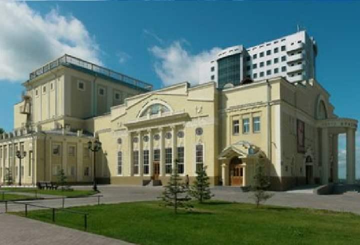 В 30х годах прошлого столетия труппа приобрела новое здание