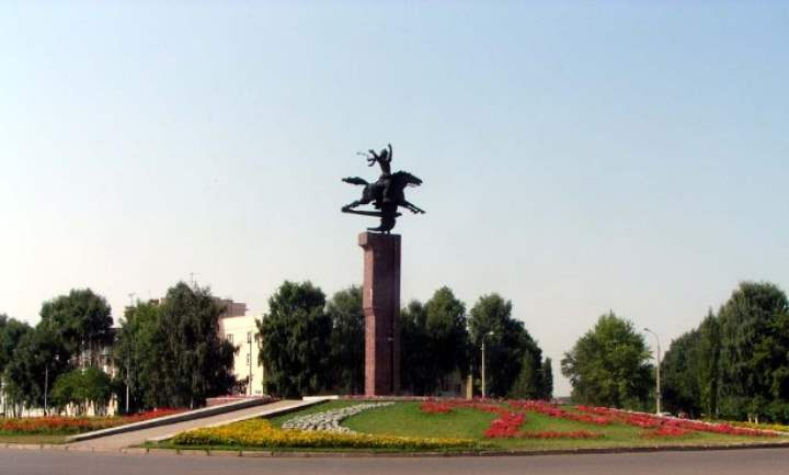 Памятник города Салават