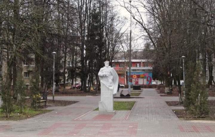 Сквер разместился на пересечении улиц Жукова и Победы