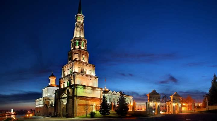 Ночная съемка башни