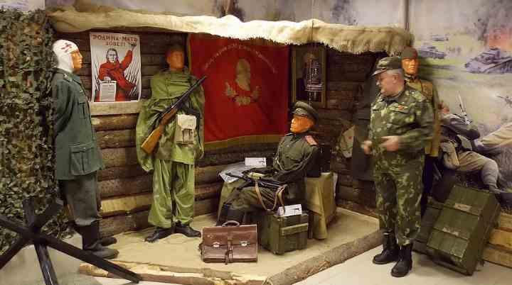 Седьмой зал знакомит с рабоче-крестьянской Красной армии и флотом