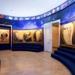 Святослав Рерих (общественный деятель и художник) - его собрания произведений искусства завершают экспозицию, каждая его картина - поклонение красоте.