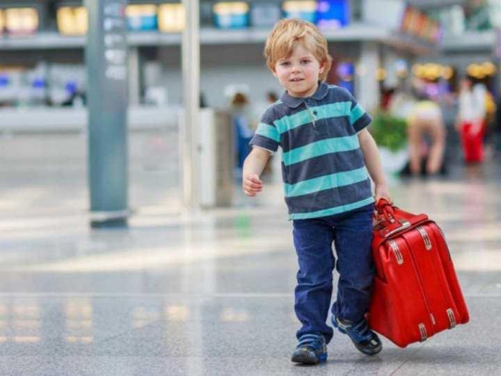 ребёнок выезжает за границу без взрослых