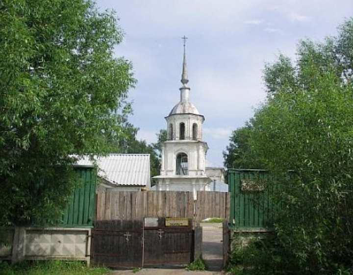 В 1782 году в храме возвели каменную колокольню, а в 1872 году появилась пристройка Южного придела во имя страстной Божией Матери.