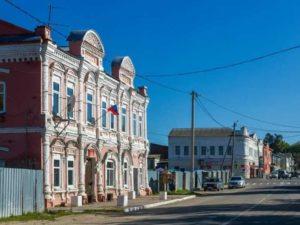 Здесь находятся парусный и бумажный завод, построенный в 18 веке А.А. Гончаровым – прапрадедом Н.Н. Гончаровой-Пушкиной.