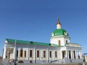 Средства на постройку этой церкви в 1817 году дали купцы Григорий и Фёдор Ижболдины