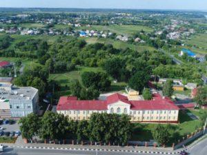 * Основными экономическими отраслями Белгородской области являются металлургический и агропромышленный комплекс.