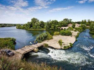 * Город Липецк является первым русским курортом. Он появился во время правления царя Александра I.