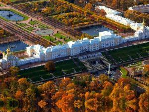 Вот что можно увидеть на 3-х этажах Зимнего Дворца: