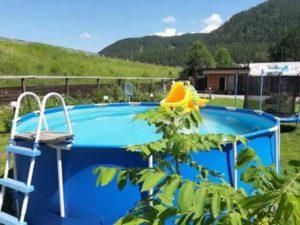 Доступны - моторафтинг, рафтинг, джип-туры и экскурсии по самым труднодоступным и живописным местам Алтая.
