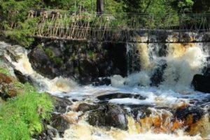 Знаменитые Рускеальские водопады в Карелии- как добраться на поезде? Обзор