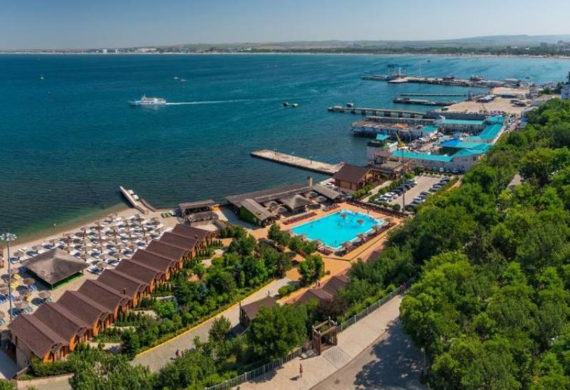 Отель предлагает собственный хорошо оборудованный пляж