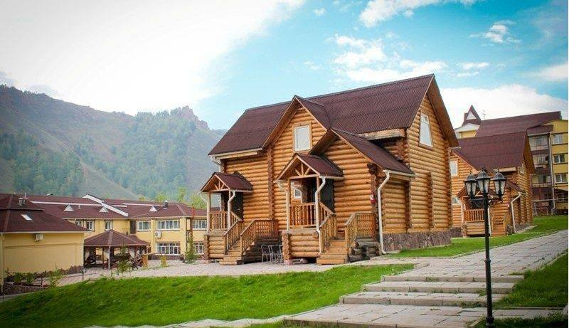 Отель расположен в пригороде Красноярска
