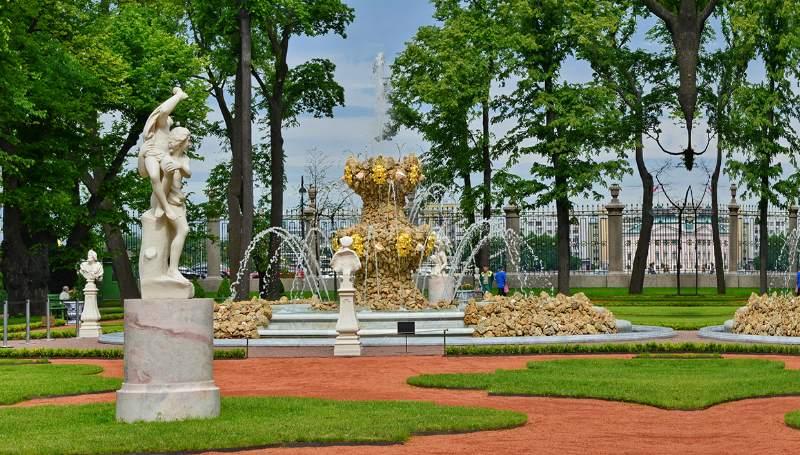 является памятником садово-паркового искусства
