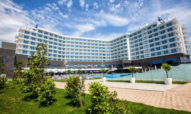 Отель находится в Адлерском районе Большого Сочи