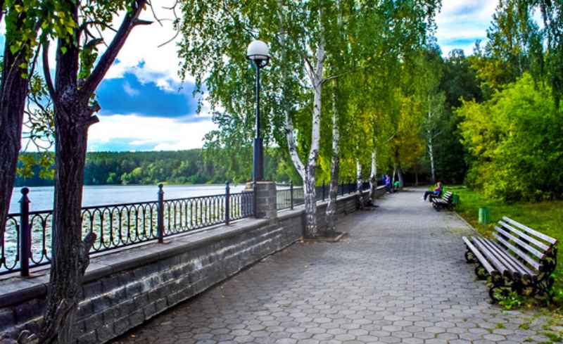 Находится в городе Чебаркуль Челябинской области